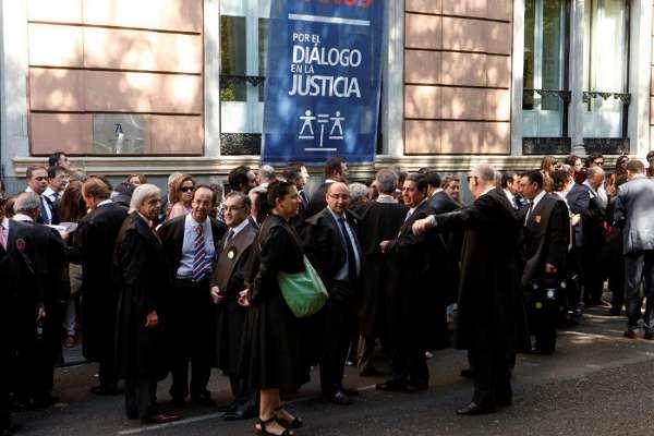 Concentración 24J contra el proyecto de Justicia Gratuita
